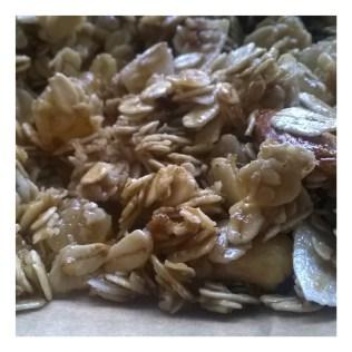 Winterse granola met kardemom en kaneel - voor