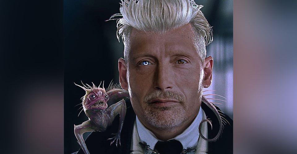 Obličej Gellerta Grindelwalda s obličejem Madse Mikkelsena. Na pravém rameni má malou obdludku, která se nejvíce podobá ještěrce s černýma očima, ostrými zuby a ostny od hlavy až po ocas, který stočený na Grindelwaldově levém rameni.