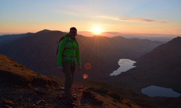 Snowdonia Sunrise group hike