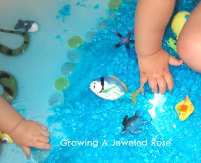jello Ocean Small world play-fürdetés