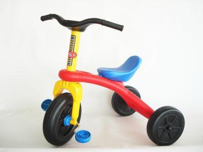 triciklibetiltott