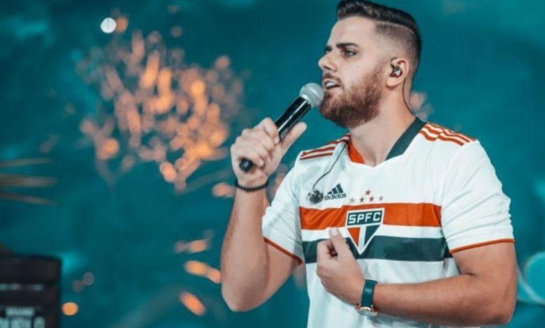 Zé Neto veste Camiseta do São Paulo