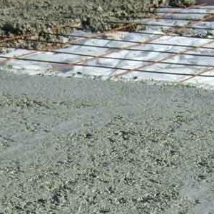 mise en place d'un sol de poulailler en béton
