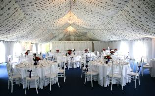 reception-marquee-wedding-breakfast-poundon-house