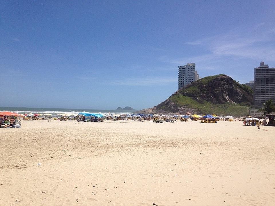 Faixa de Areia da Praia da Enseada no Guaruja