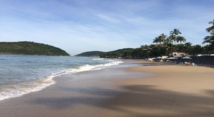 a Praia de pernambuco em Guaruja