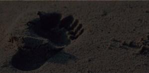 Areia-com-Pegadas-pe-na-areia-Pousada-Praia-de-Pernambuco-Guaruja