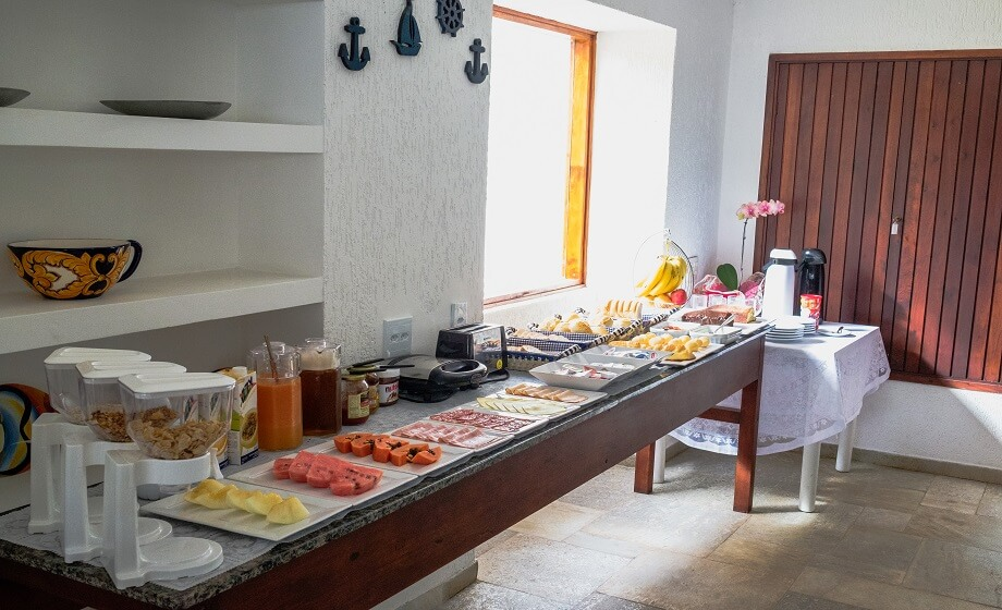Mesa Cafe da Manha Pousada Pe na Areia Pernambuco Guaruja