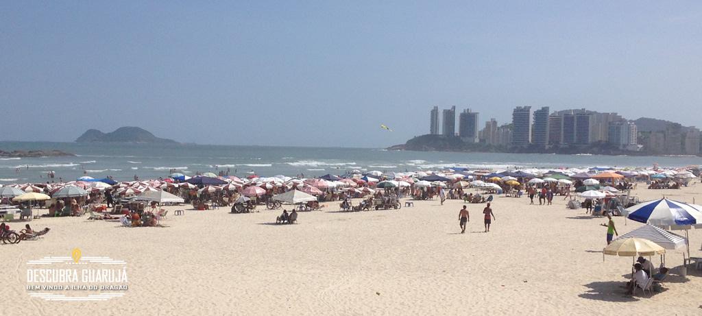Praia das Pitangueiras em Guarujá SP