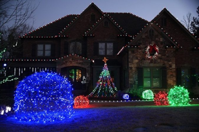 Top 10 Outdoor Christmas Light Ideas For 2018