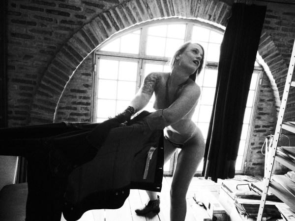 Aline Dillenburg - abril/2020 n1