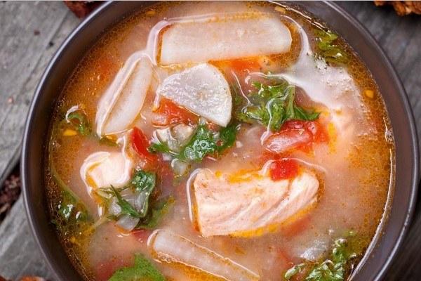 Суп из соленой красной рыбы - рецепт с фото