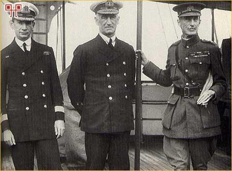 John de Robbeck (u sredini) i Ian Hamilton (desno)