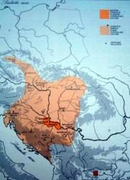 Počinje u istočnoj Slavoniji oko 3000. a završava u 13 država središnje i jugoistočne Europe (od Češke do Grčke) iz 2600.