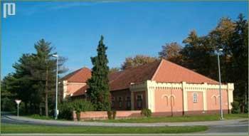Zgrada se od 2007. godine više ne koristi u bolničke svrhe
