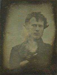 Najstariji poznati selfie snimljen je 1839. godine – snimio se Robert Cornelius