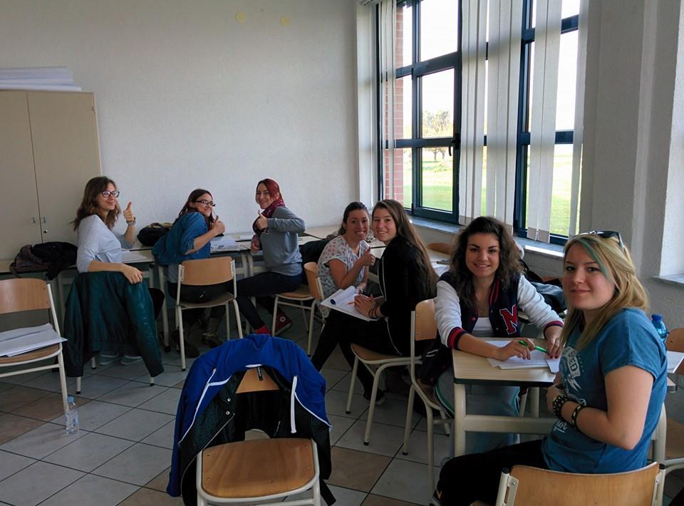 Dio učenica tijekom treninga u Srednjoj školi Čakovec