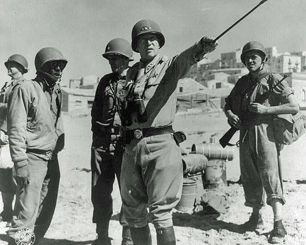 General-poručnik George Patton izdaje zapovijed, Sicilija '43.