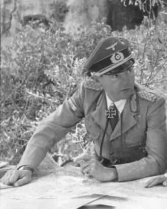 Pukovnik Ernst-Günther Baade (na ovoj slici general).