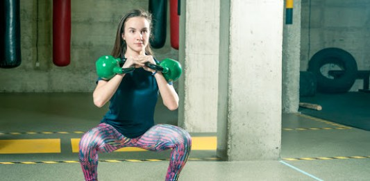 adolescente entrenando