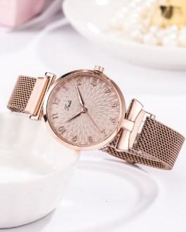 Luxury Fashion Quartz Clock Magnet Wrist Watch