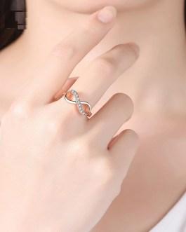 Fashion Luxury Metal Crystal Ring