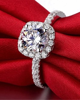 Trendy Crystal Engagement Claws Design Rings