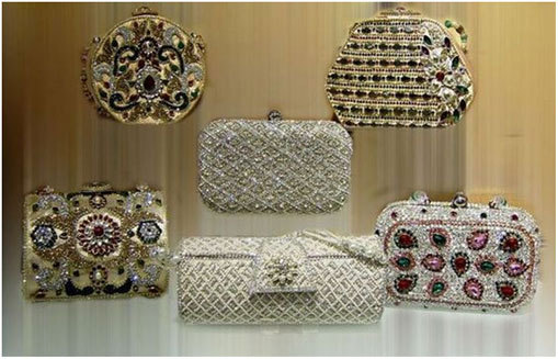 Read more about the article CHOOSE YOU CLUTCH BAG