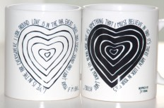 Love is in the air_mugs