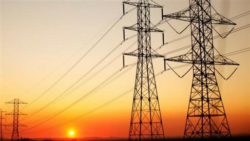 وزارة الكهرباء تعلن عودة التيار الكهربائي بالكامل الي ابوطرطور وبلاط
