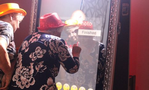 Selfie Mirror Photo Booth Hire Dartford