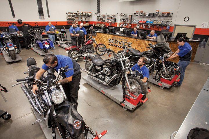 oems such as harley davidson keep motorcycle mechanics institute in the loop when