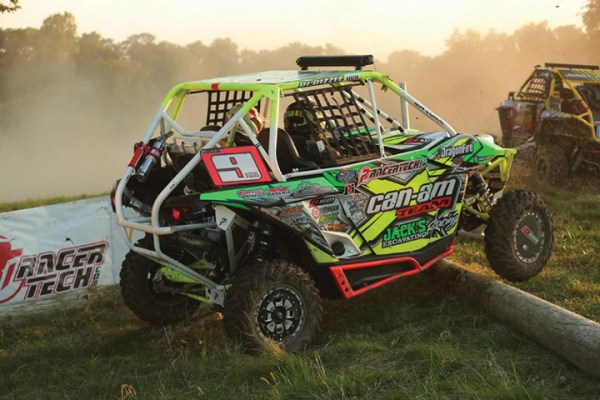 Marcus and Mouse Pratt (Jack's Excavating/ITP) won the 2015 Heartland Challenge UTV 1000 Pro title using ITP TerraCross tires on their Can-Am Maverick.