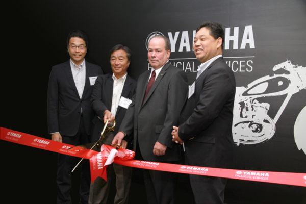 (L-R) Director's Tatsumi Okawa, Toshizumi Kato, Peter Hastings and Naotaka Takeshita officially open the Retail Finance division.