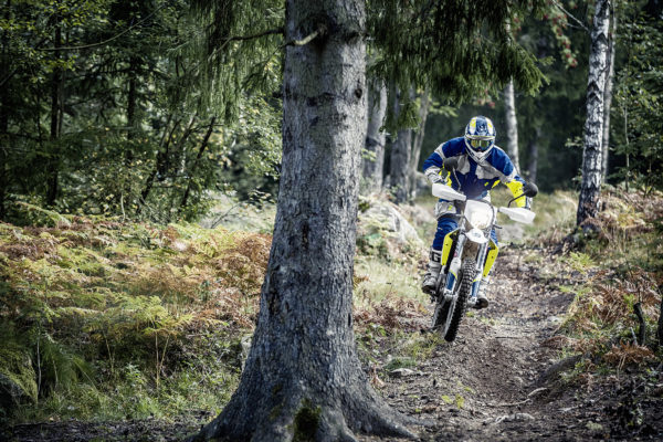 husqvarna-my17-701-enduro-action