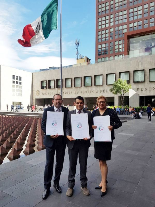 BRP's Mario Gebetshuber, David Mora and Esperanza Mergil with the award at the Ministry of Foreign Affairs in Mexico City.