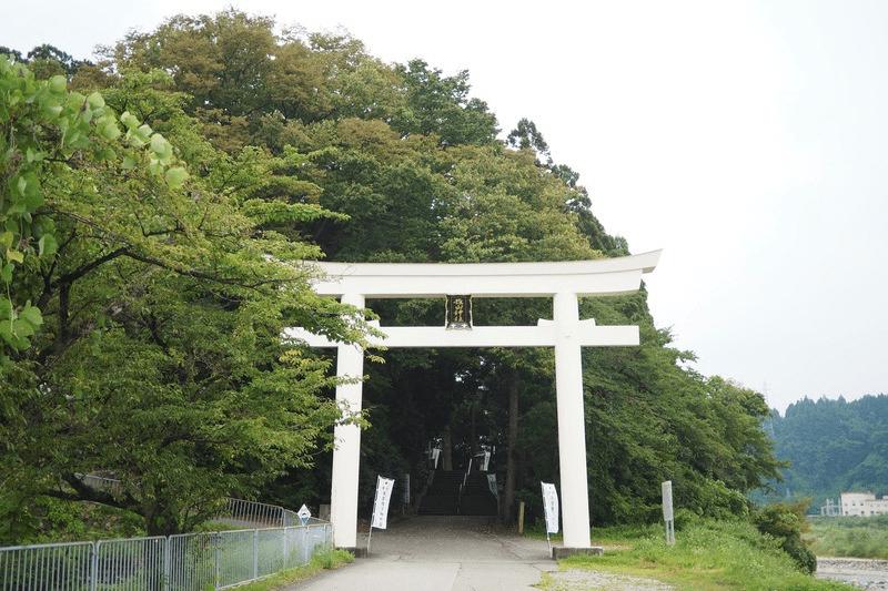 パワースポット!神の降り立つ場所「雄山神社・前立社壇」とは