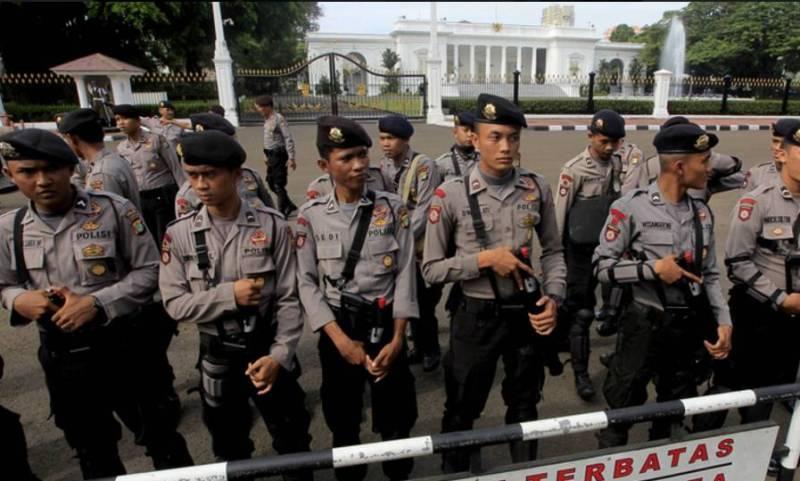 Полиция в Индонезии.