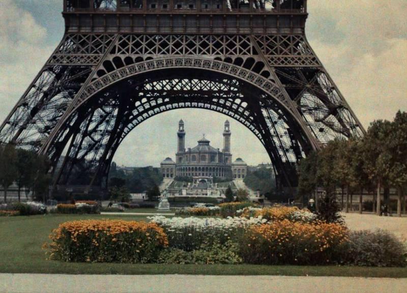 Эйфелева башня, 1923 год.