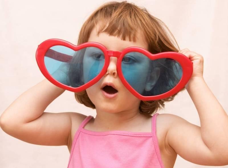 очки девочка