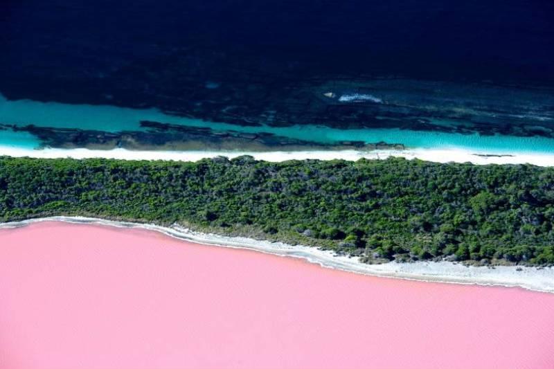Цветное озеро Хиллер