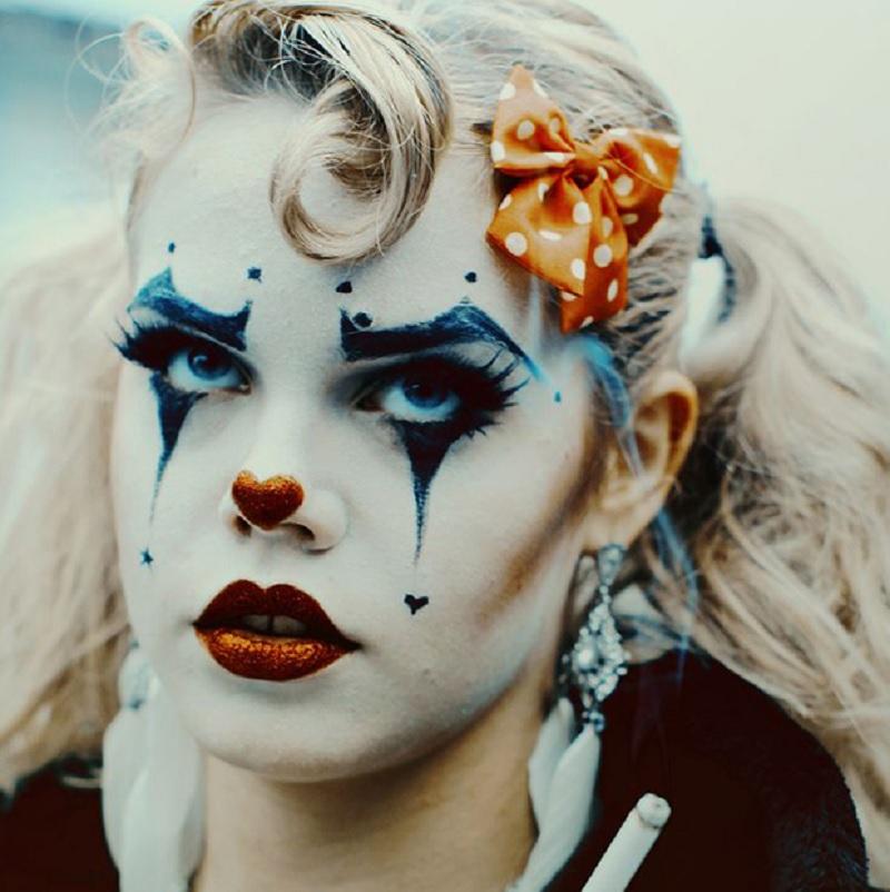 Образ клоуна на Хэллоуин, простой макияж на Хэллоуин