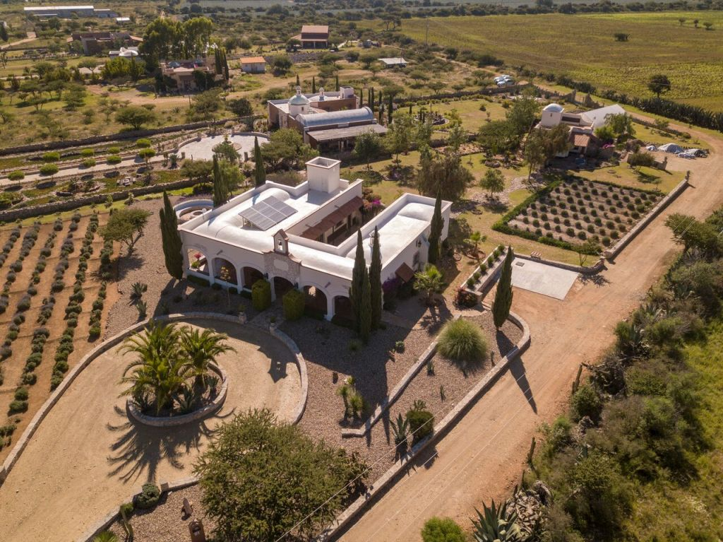 country estate for sale in Pozos