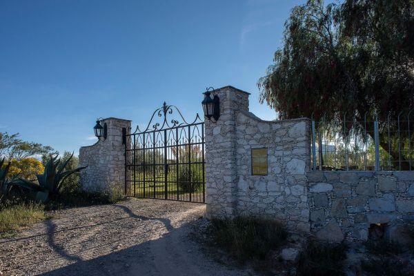 elegant ranch on ten acres