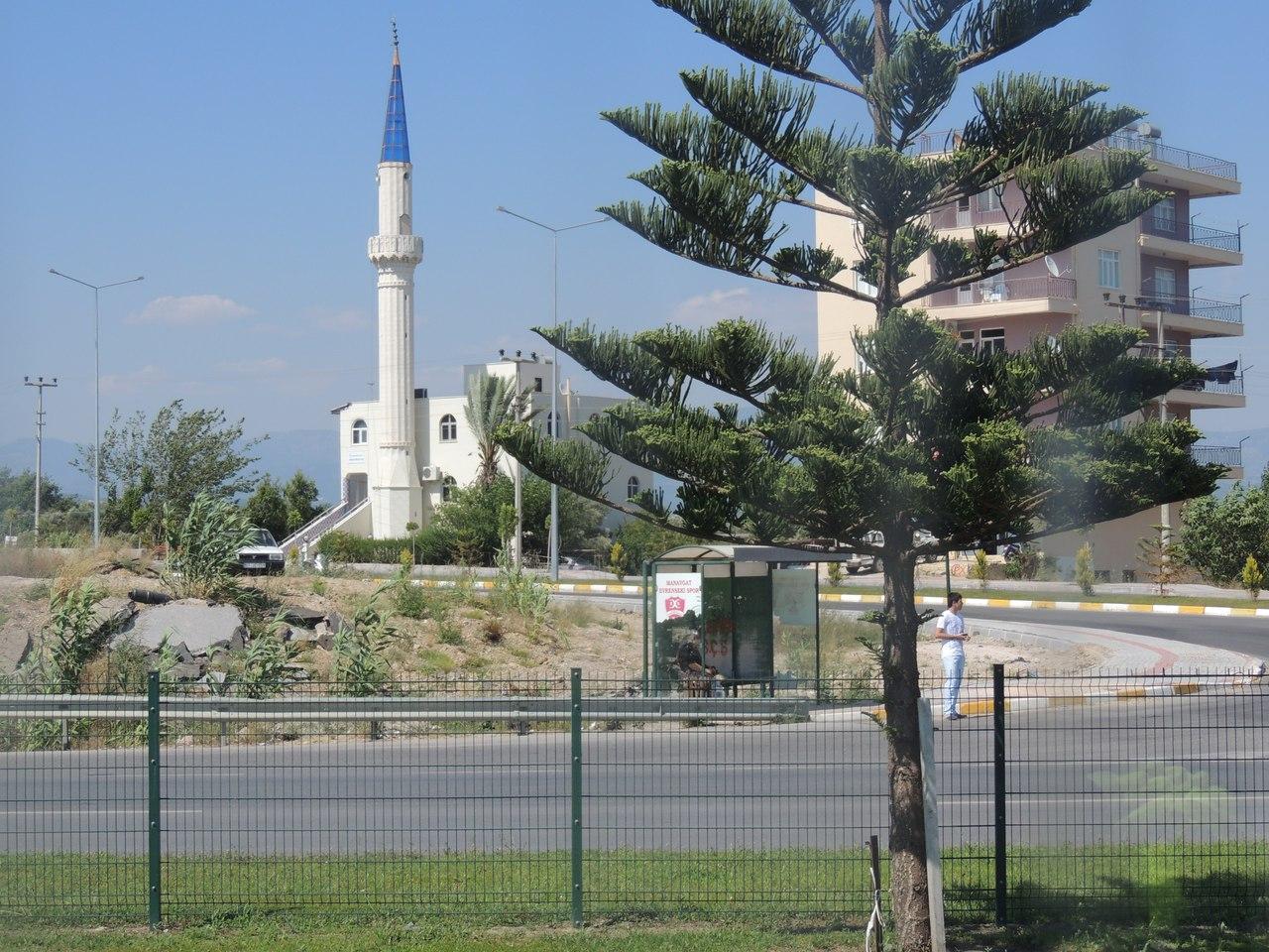 Мечети в Турции везде и повсюду.