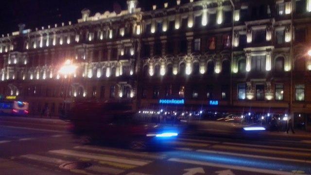 Вечерний Невский в Санкт-Петербурге