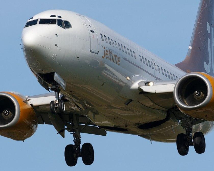 Лайнер компании Jet Time в полете