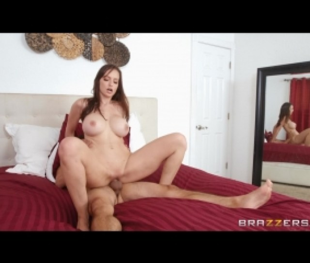 Stepmom Gets Soaked Lexi Luna Ricky Spanish By Brazzers   Full Hd P