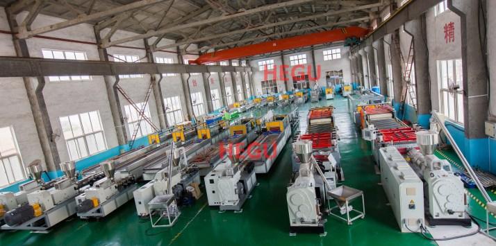 Fabricante de máquinas de perfiles y tableros de PVC PE WPC