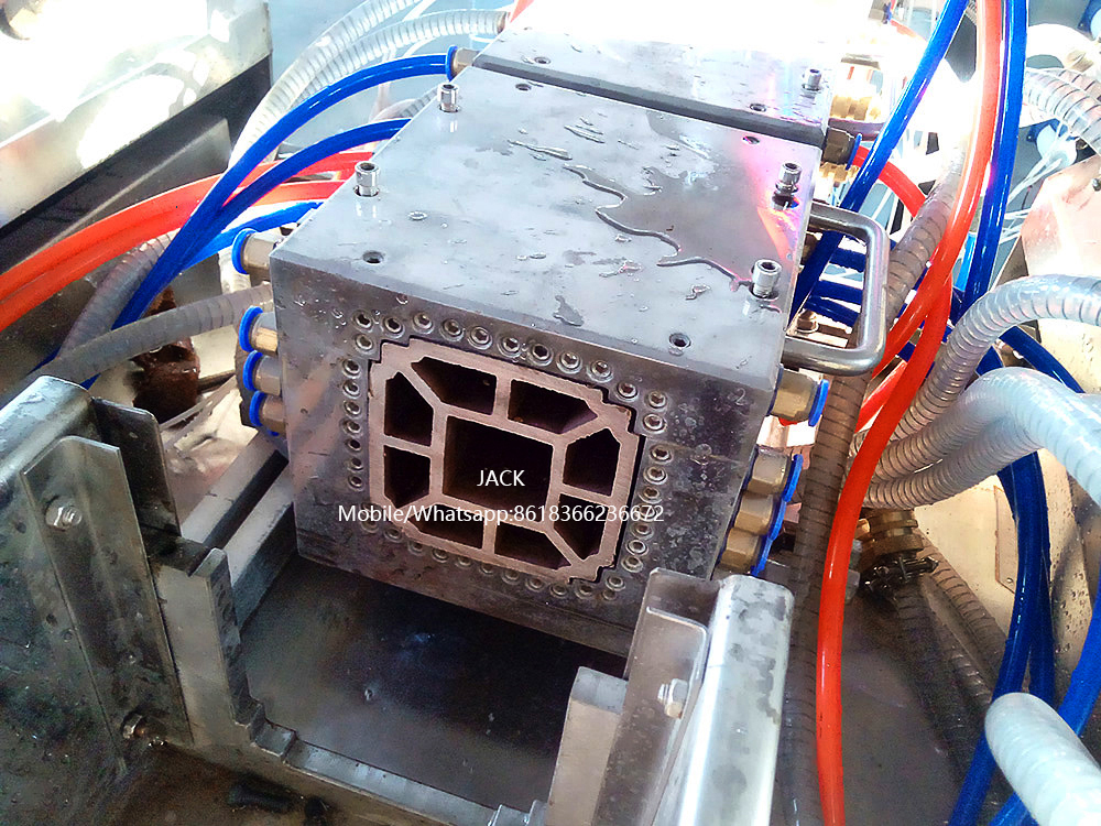 WPC Lighting Pole Extrusion Machine